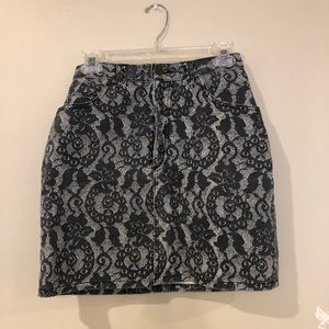 Guess mini skirt!